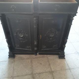 mueble antiguo/ aparador