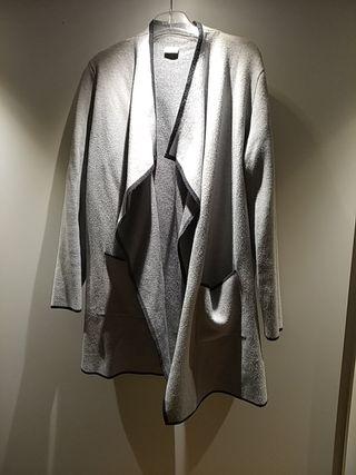 chaqueta gris pimkie