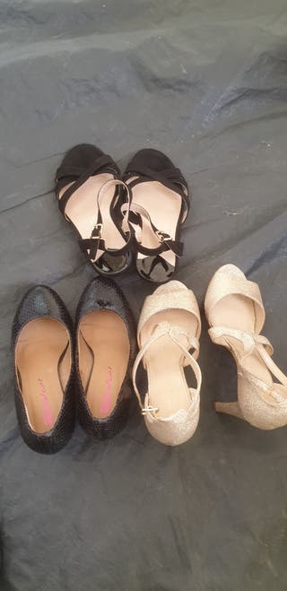 3 pairs of womens size 4 heels