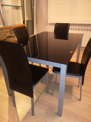 mesa de cristal +4 sillas