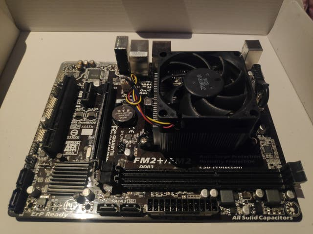 PACK CPU (con tarjeta gráfica)AMD + PLACA BASE MSI
