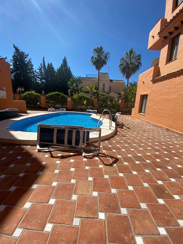 Flat to rent (El Paraíso, Málaga)