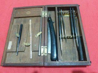 antigua caja disección medicina