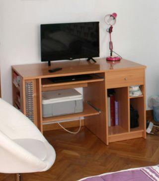 escritorio en buen estado