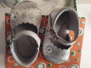 Sandalias blancas bebé talla 18
