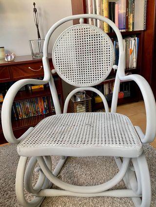 Mecedora, silla balancín, silla auxiliar