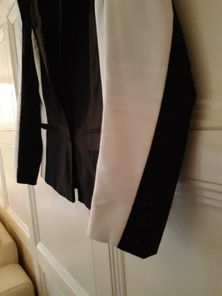 Lovely Black and White blazer, good condition.