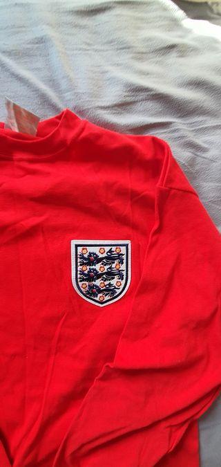 Brand New Toffs England Top No 6