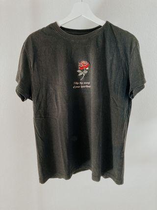 Camiseta logo rosa de Bershka