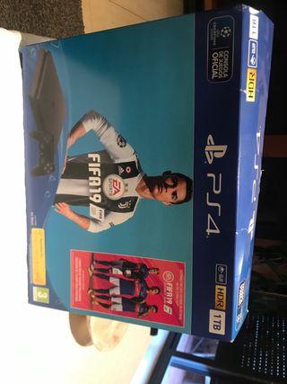 PlayStation4 1TB i HDR.