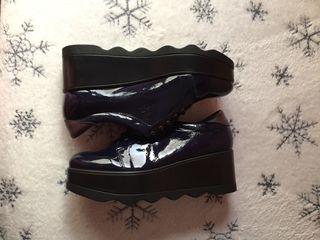 Zapatos de piel con plataforma.NUEVOS