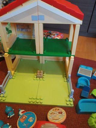 casa Doraemon y estación