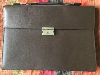 Incrieble maletín de Loewe