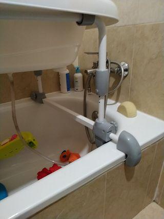 bañera y cambiador elevado para bebes