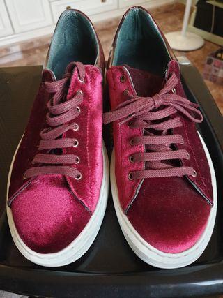 Zapatillas tipo terciopelo