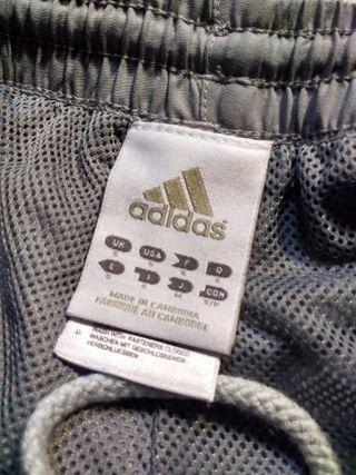 Pantalones Adidas Grises y Blancos