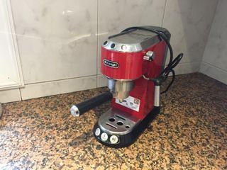 Cafetera expresso Delonghi Dedica ec680