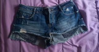 Pantalón corto Pimkie.
