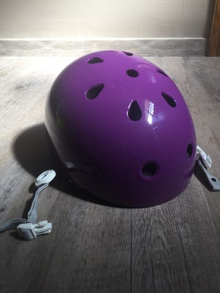 Casco patinaje