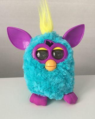 Furby Hasbro con pilas incluidas