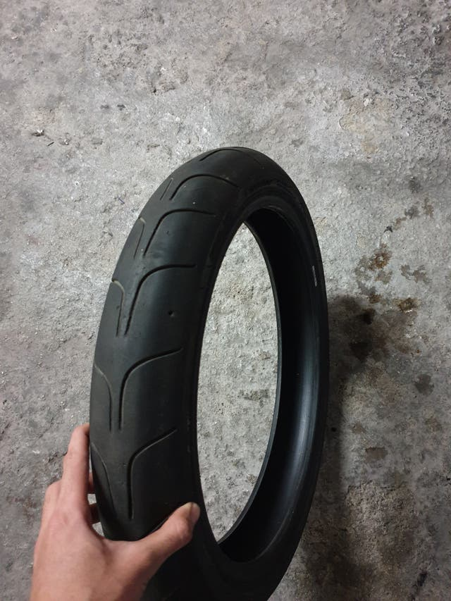 rueda neumatico slick