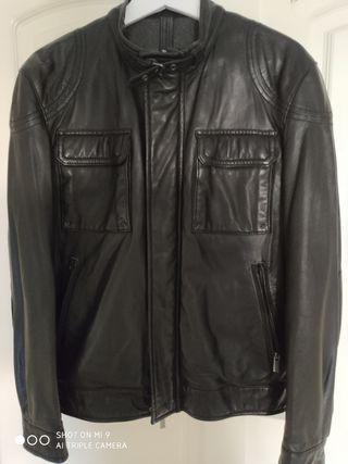 Cazadora cuero negro talla M/38 Massimo Dutti