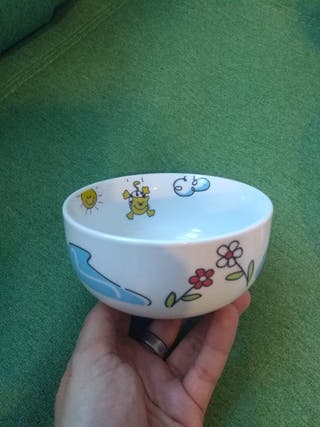 vajilla infantil porcelana. sin estrenar