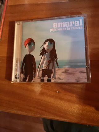 CD Amaral, pájaros en la cabeza