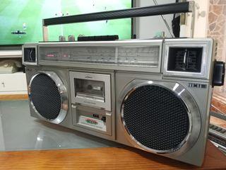 Radio cassette retro vintage 80s