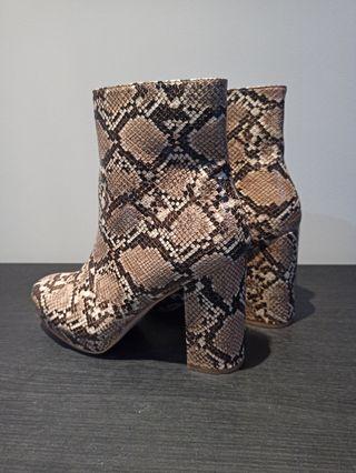 sneak boots