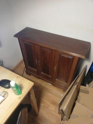 mueble recibidor antiguo. necesita algún restauro