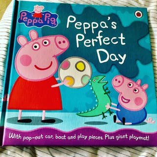 Peppa's Day Out POP Card New Book