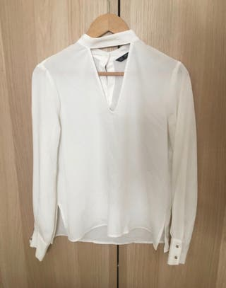 Blusa blanca mujer marca Zara