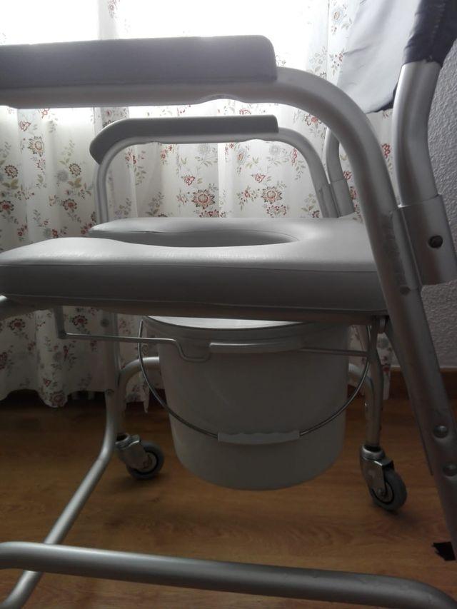 silla para baño y aseo persona discapacitada