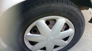 5 Llantas de chapa Opel Vectra con neumáticos.