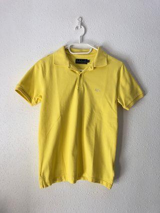 Polo amarillo.