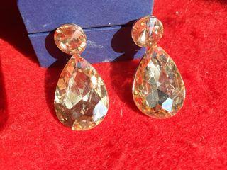 Pendientes lagrima cristal facetado de Swarovski