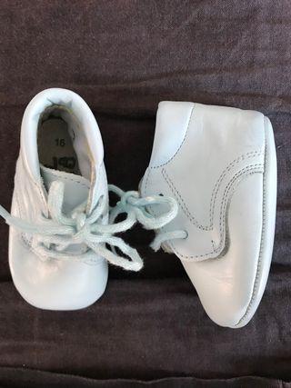 Zapatos bebé piel azul
