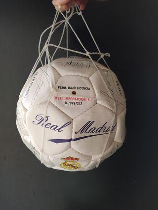 Balón Oficial Real Madrid 94/95 con firmas