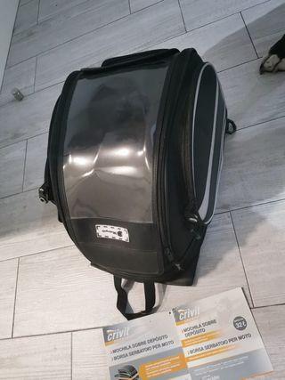 mochila sobre deposito