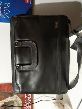 maletin de ejecutivo color negro