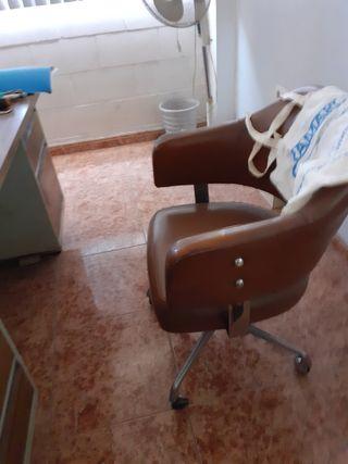 silla oficina antigua