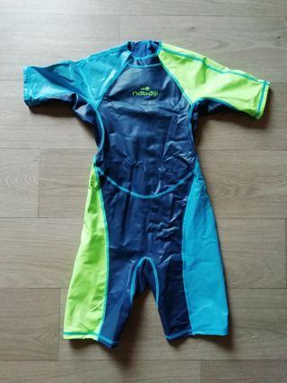 Bañador natación talla 6 años.