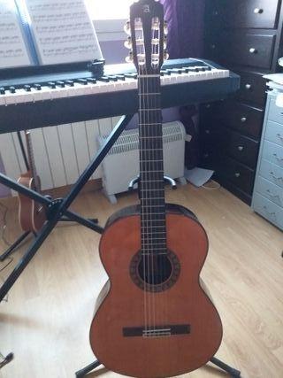 Guitarra Clásica ALAHAMBRA 6P, practicamente nueva