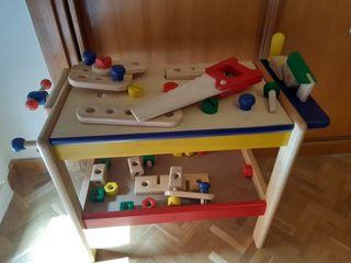 banco de carpinteros de madera de juguete.