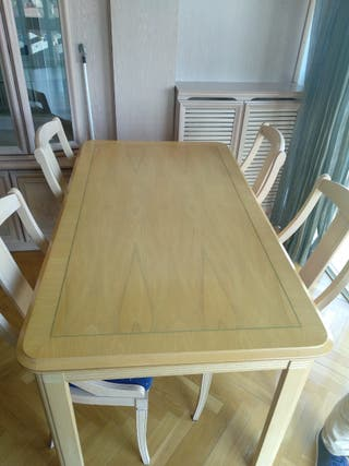 Mesa extensible con 6 sillas para salon