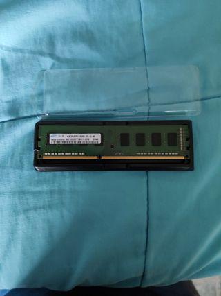 memoria ram DDR3 1066 de 4Gb ( Solo para AMD)