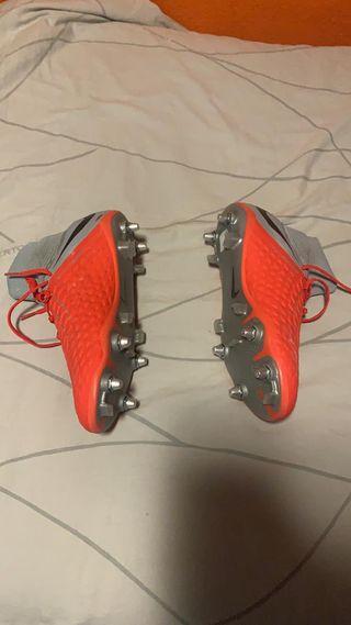 Botas Nike hypervenoom de taco mixto