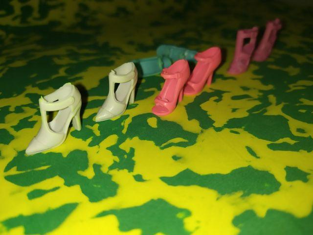 Zapatos variados para muñeca Barbie.
