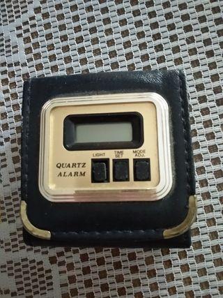 Reloj digital cuero
